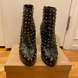 Christian louboutin studded ankle boots 37
